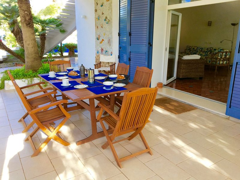 Villa Mediterraneo 50 metri dal mare, vacation rental in Maruggio