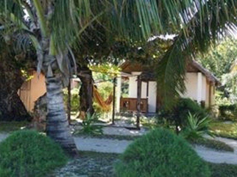 Mirana Plage BUNGALOW DU LAGON BLEU, location de vacances à Ambodifotatra