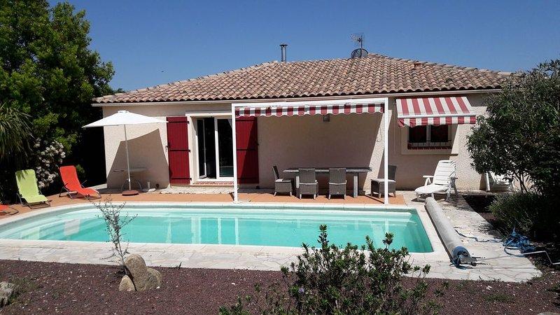 Belle maison classée 4*, 3 chambres climatisées, piscine chauffée, WIFI, calme, location de vacances à Saint Genis des Fontaines
