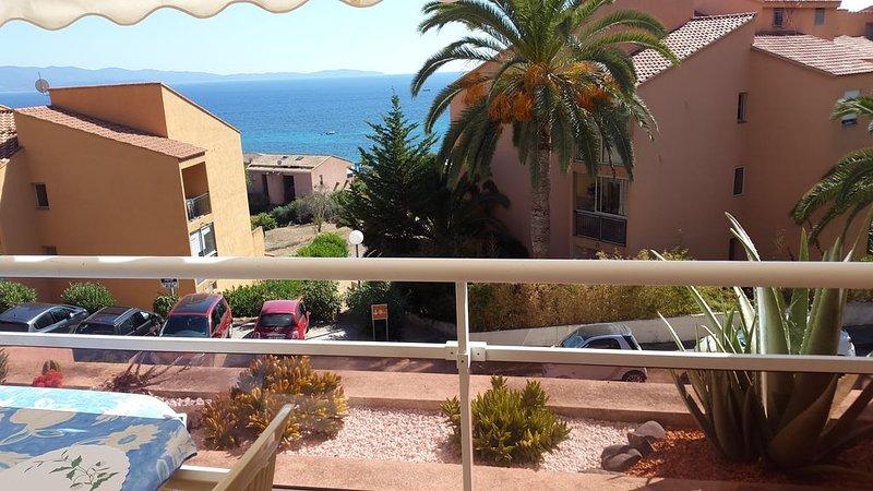 T3 climatisé  à 200 m à pied de la plage de Marinella, holiday rental in Villanova