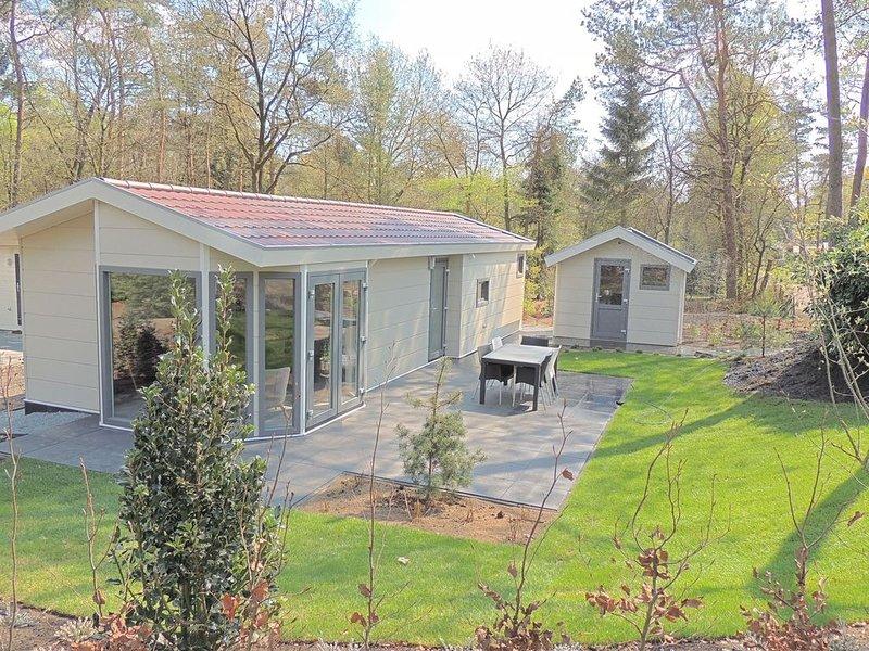 Modern chalet with dishwasher, located in nature, Ferienwohnung in Beekbergen