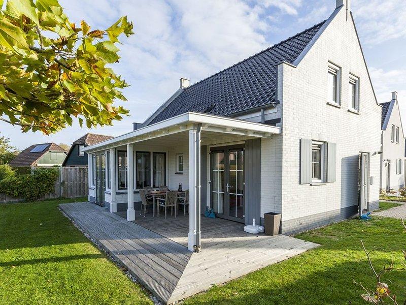 Detached Holiday Home in Wolphaartsdijk with a Small Park, vacation rental in Wolphaartsdijk