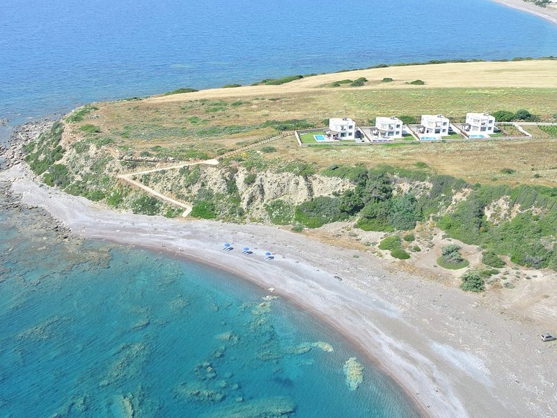 Olga Villas at Lahania Beach, South Rhodes  (Villa C), location de vacances à Kattavia