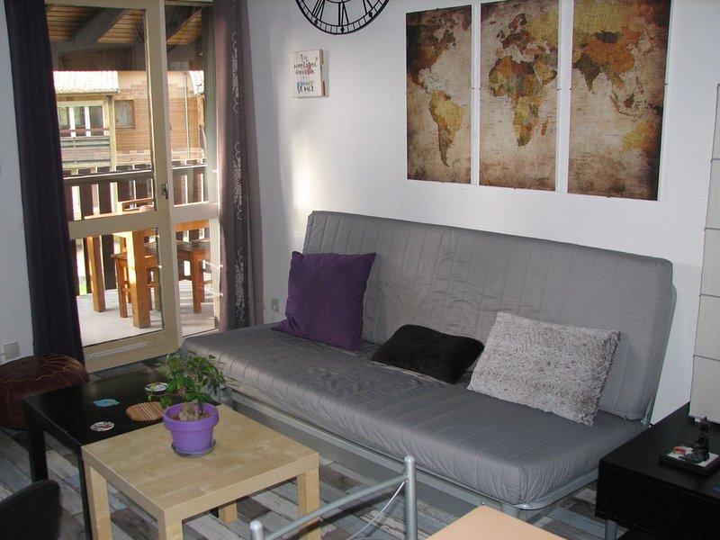 Bel appartement à proximité du lac et de l'océan, vacation rental in Carcans