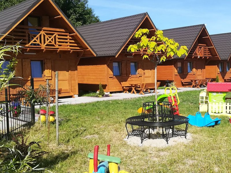 Seaside Holiday Home in Wicie with parking and play area, vacation rental in Lacko