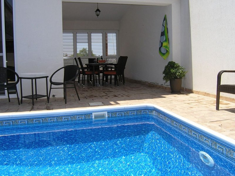 Very Large Villa With Private Pool, holiday rental in Kornos