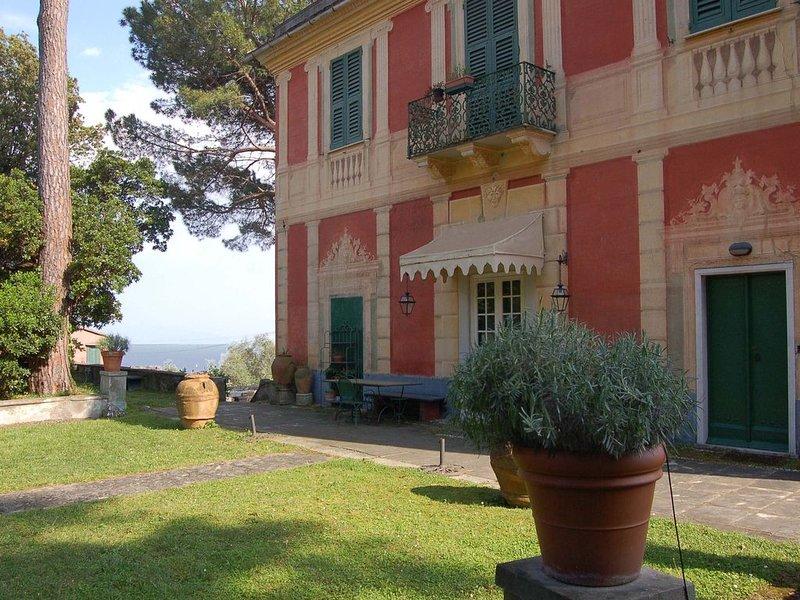 Lovely apartment in Villa close to St. Margherita, casa vacanza a Santa Margherita Ligure