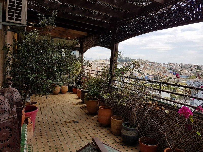Chambre À Louer Dans Un Appartement familial, holiday rental in Tangier