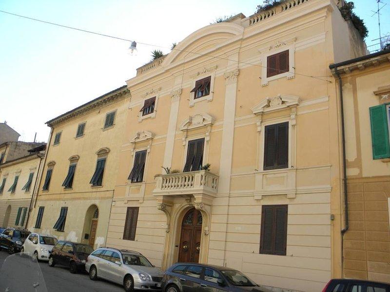 Villa d'epoca di charme, vacation rental in Livorno