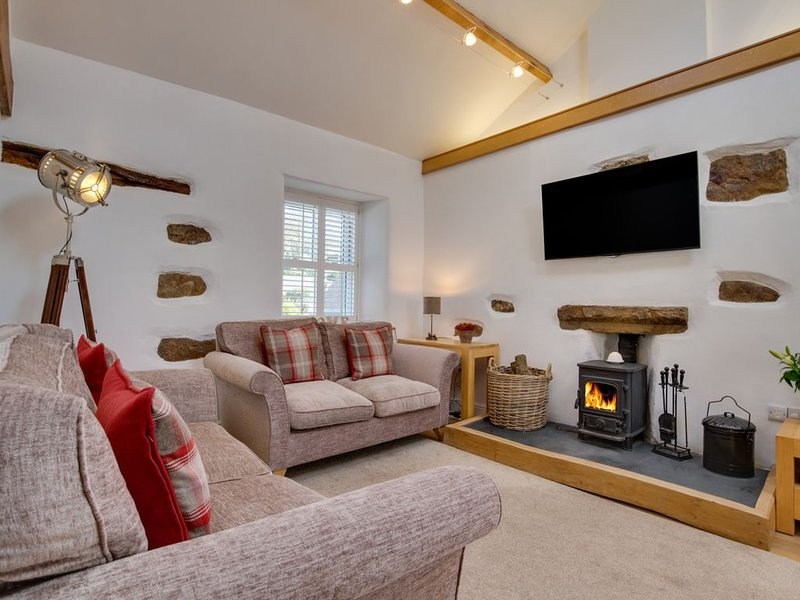 Cark House Cottage - Three Bedroom House, Sleeps 6, holiday rental in Cark