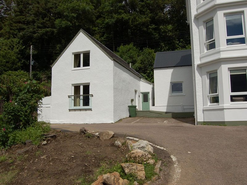 Allt Nan Ros Cottage -  a holiday cottage that sleeps 4 guests  in 2 bedrooms, holiday rental in Ballachulish