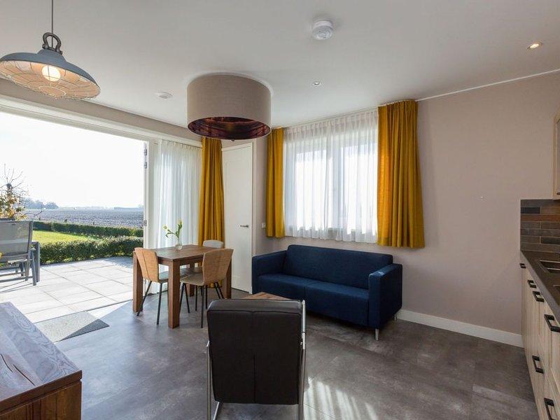 Luxurious Holiday Home in Oostkapelle with Garden, holiday rental in Aagtekerke