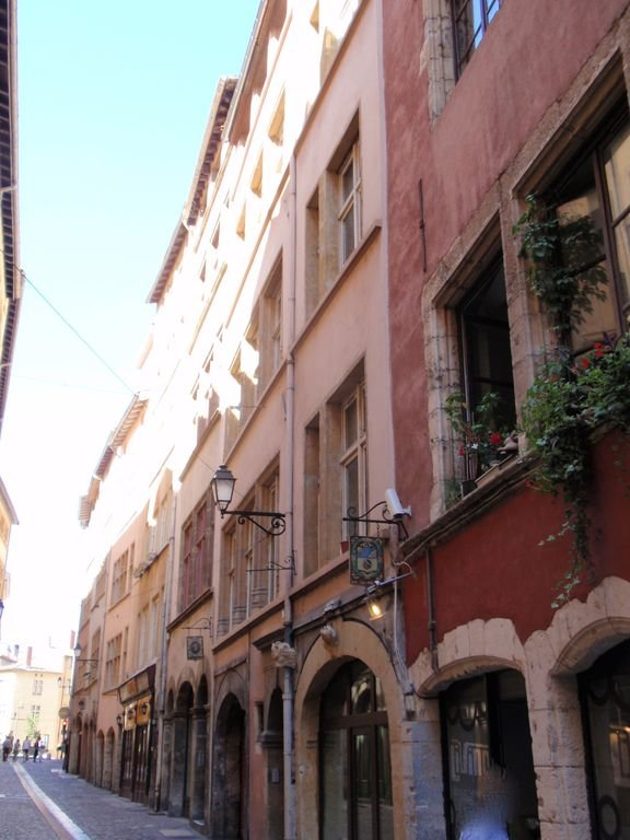 Venha visitar o Vieux Lyon a 12 km do Clos des Pins em Brindas