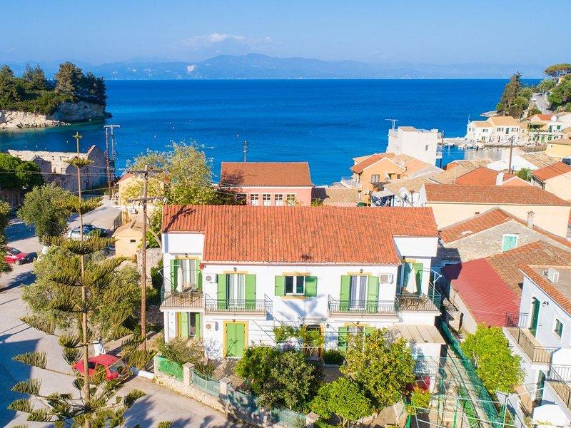 Irini: Walk to Beach, A/C, WiFi, Car Not Required, location de vacances à Paxos