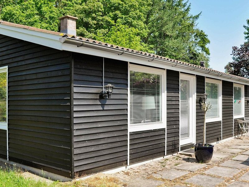 Modern Holiday Home in Silkeborg with Terrace, location de vacances à Bryrup