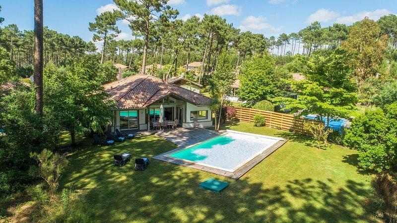 PISCINE PRIVÉE | Villa spacieuse 10p, près du terrain de golf, holiday rental in Moliets et Maa