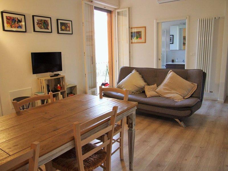 Casa Parisio - Elegante intero appartamento a 10 minuti dal centro, holiday rental in Pianoro