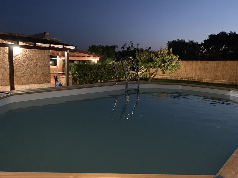 Splendida Villa con Piscina Relax in Puglia, holiday rental in San Vito dei Normanni