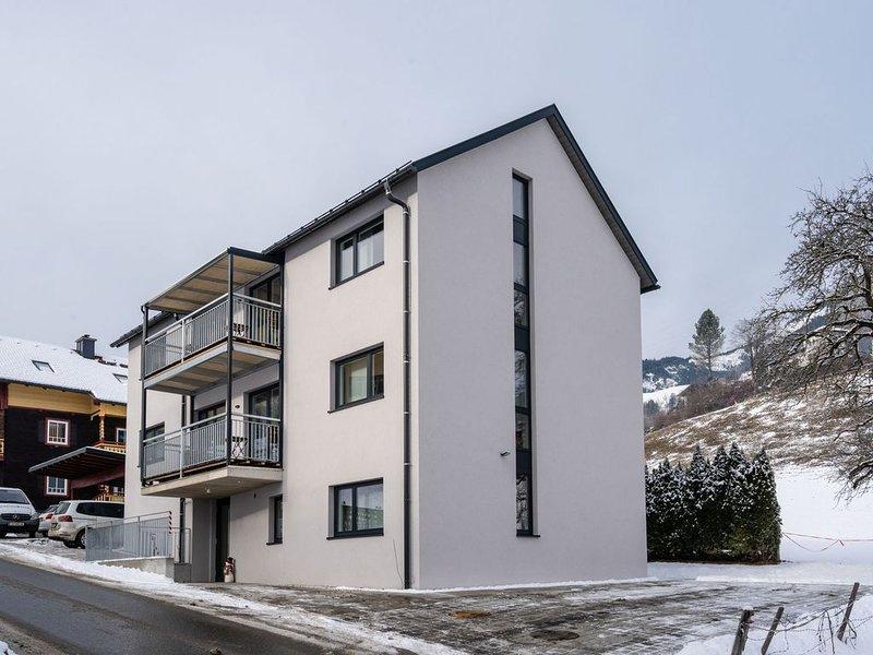 Luxurious Penthouse in Sankt Georgen near Ski Slopes, holiday rental in Bruck an der Grossglocknerstrasse
