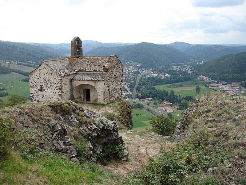 Petite maison au coeur du Cantal, à Massiac, location de vacances à Saint-Beauzire