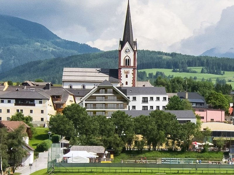 Luxury apartment with shared sauna in center Mariapfarr, holiday rental in Lessach