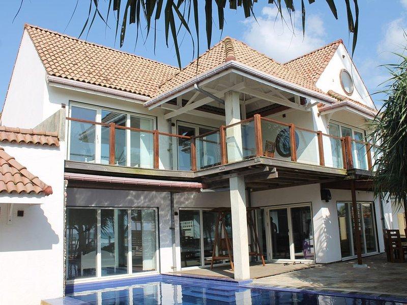 Pebbles Beach Villa Luxury - Beach Front, holiday rental in Ahangama