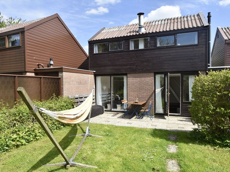 Simplistic Home in Warmenhuizen near Bergen, aluguéis de temporada em Warmenhuizen