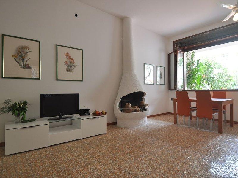 Appartamento a 30 mt dal mare, holiday rental in Rocchenere