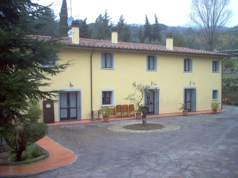 vacanza nel verde a Cerreto, holiday rental in Montale