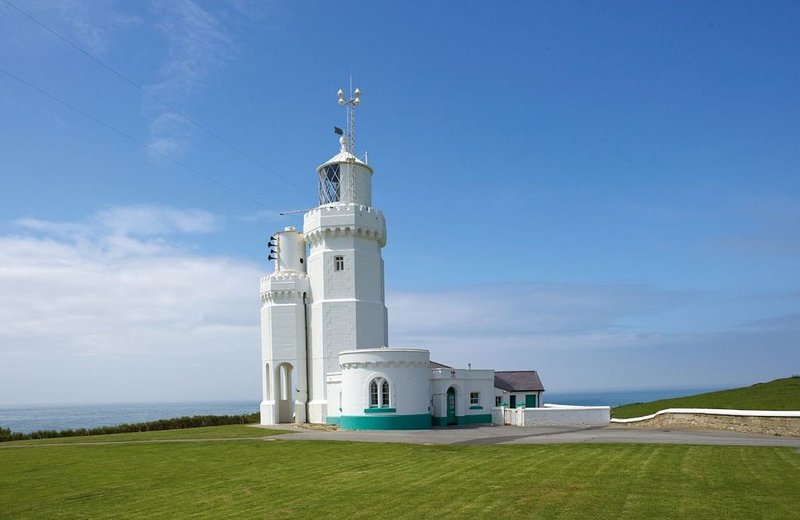 Rural Retreats are pleased to present St Catherine's Lighthouse in Niton, holiday rental in Chale