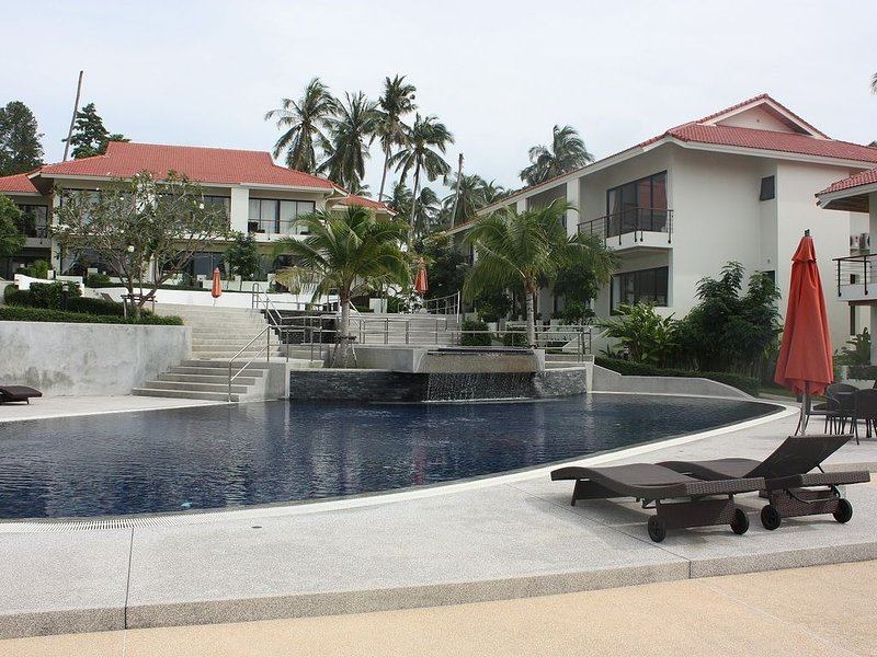 2 Bedroom Townhouse 2 Large Communal Pools, vacation rental in Choeng Mon