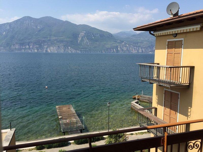 casa appartamento olivo – semesterbostad i Brenzone sul Garda