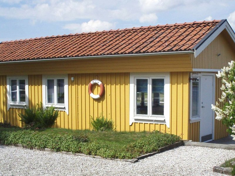 3 person holiday home in STENUNGSUND – semesterbostad i Västra Götalands län