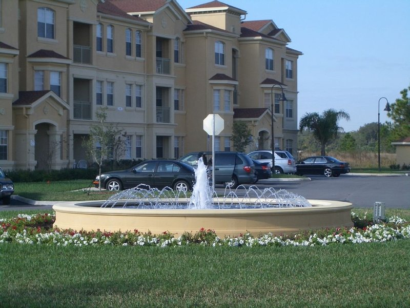Beautiful 3 bedroom, ground floor condo, minutes from Disney world, holiday rental in Loughman