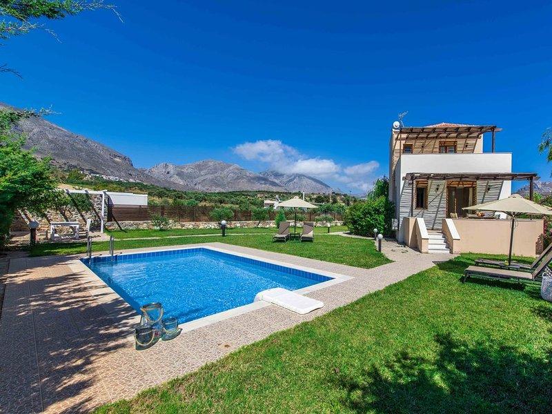 Villa Erato, with private swimming pool., holiday rental in Lefkogia