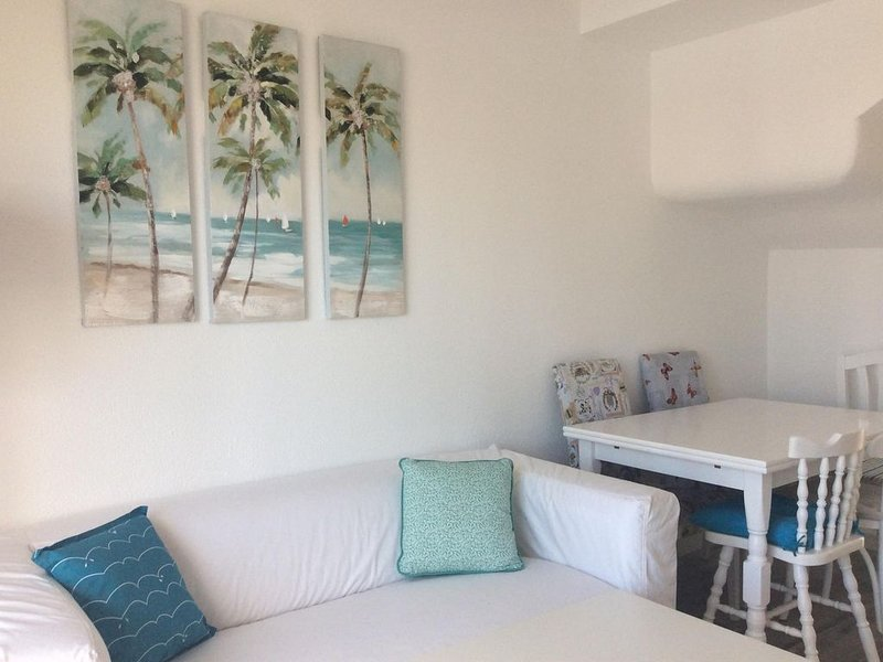 BUNGALOW FOR 5 PERSONS, 2 MINUTES FROM THE BEACH ,PLAYA DEL INGLES, vacation rental in Maspalomas