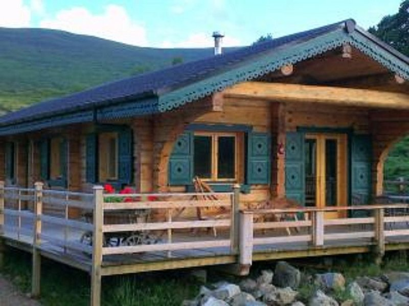 Chalet Rus. Luxury log cabin with all your creature comforts., Ferienwohnung in Fort William