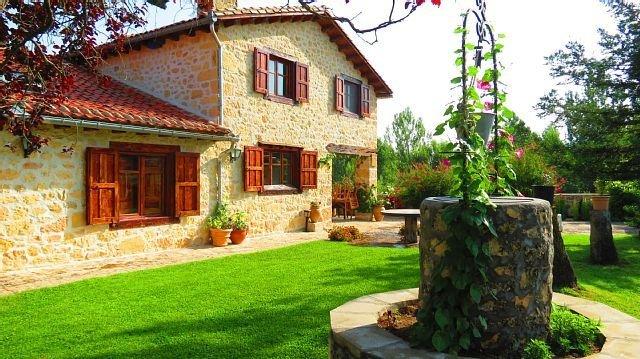 Casa Rural El Covanchón para 8 personas, aluguéis de temporada em Pedraza