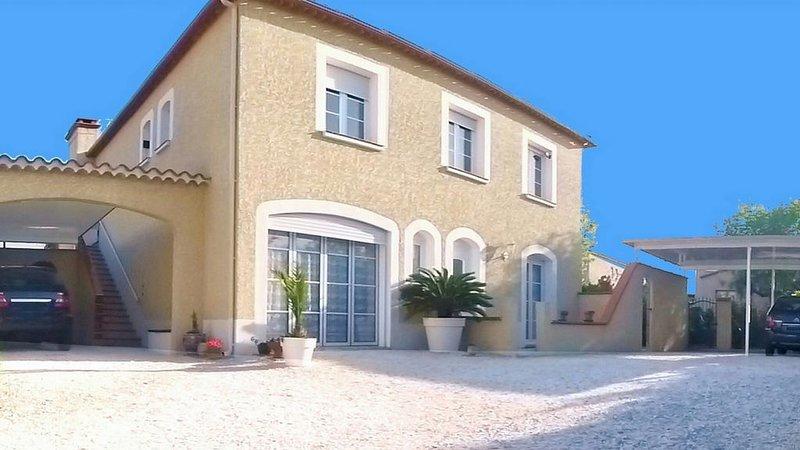 Luxueux appartement indépendant terrasse panoramique 1er. étage très belle villa, aluguéis de temporada em Argeles-sur-Mer