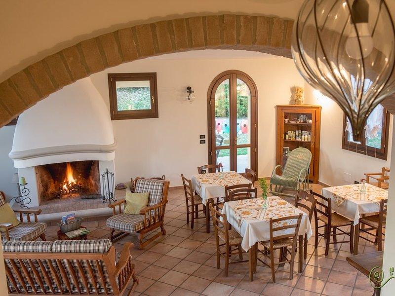 Villa colonica ristrutturata, con piscina ed ampio giardino., alquiler vacacional en Dovadola
