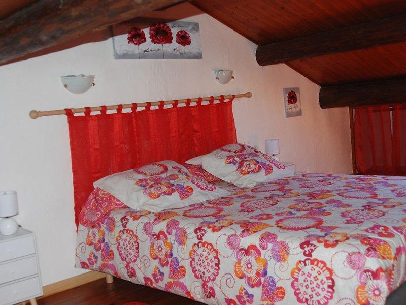 Maison de village à 5 km de la mer avec garage, location de vacances à Lespignan