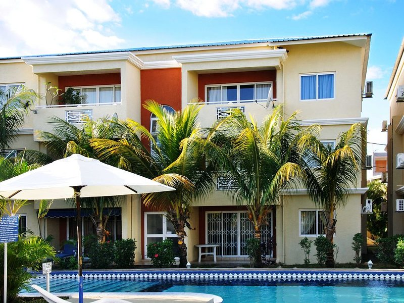 Flic En Flac, 2 Bedroom Apartment,  Close To Beach, vacation rental in Mauritius