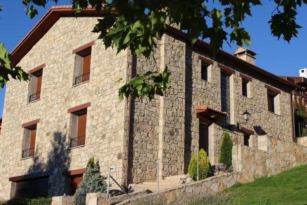 Casa rural (alquiler íntegro) Los Guijos II para 6 personas, holiday rental in Pradosegar