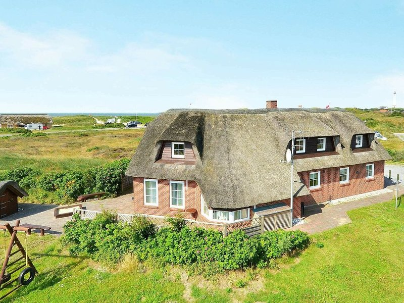 Lovely Holiday Home in Blåvand with Swimming Pool, location de vacances à Varde