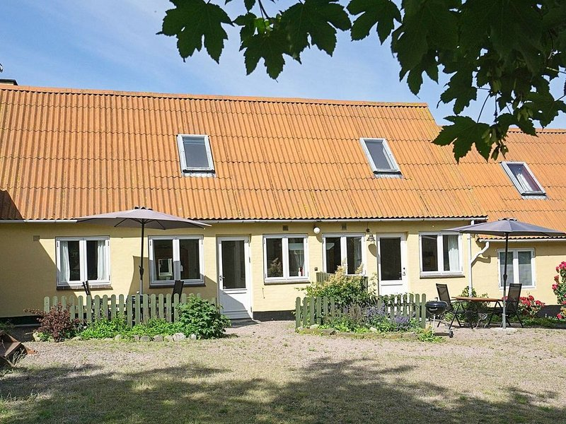 Cozy Apartment in Svaneke with Barbecue, vacation rental in Bornholm