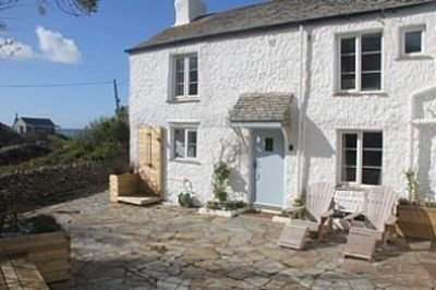 Beautiful Holiday Home In North Cornwall With Sea Views, holiday rental in Crackington Haven