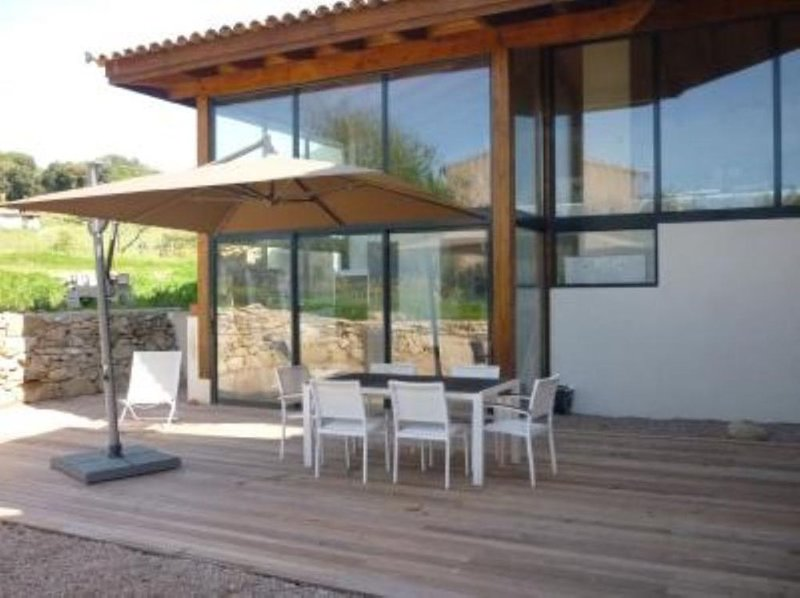 Bastelicaccia: Grande maison contemporaine, holiday rental in Communaute de Communes de la Vallee du Prunelli