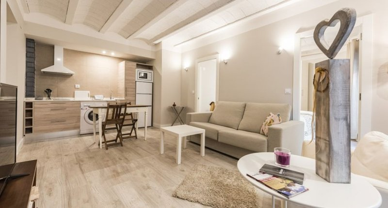 Apartamento Macabeo en Adahuesca, holiday rental in Salillas