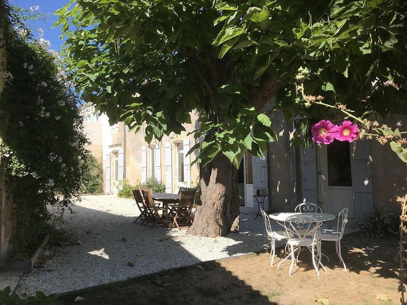 Maison de ville, familiale avec jardin, vakantiewoning in Saint-Georges d'Oléron