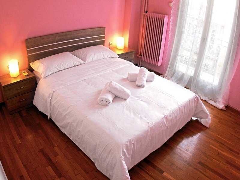 Sweet Apartment with Athens Beautiful View, holiday rental in Filothei-Psychiko